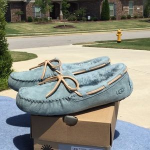 UGG DAKOTA Slippers NWT